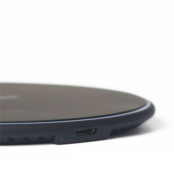 Taira-Wireless-Charger-5