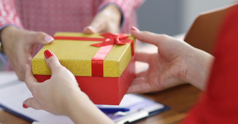 personalised gifts singapore